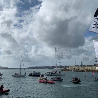 Arrivée de Guirec dans la rade de Brest après sa traversée retour par l'Atlantique Nord