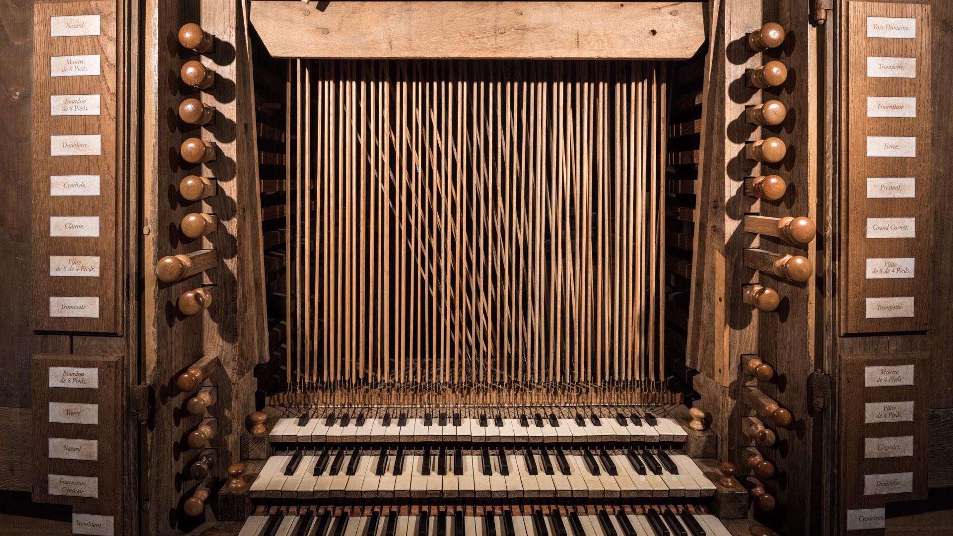Guern (56), orgue de la chapelle Notre-Dame de Quelven