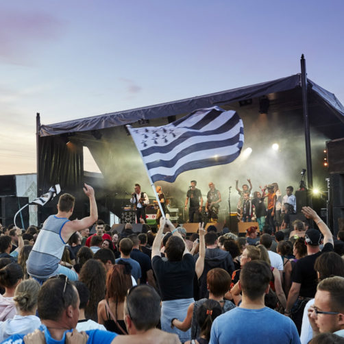 drapeau breton dans un festival