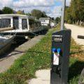 Borne multi-services à Évran, sur le canal d'Ille et Rance
