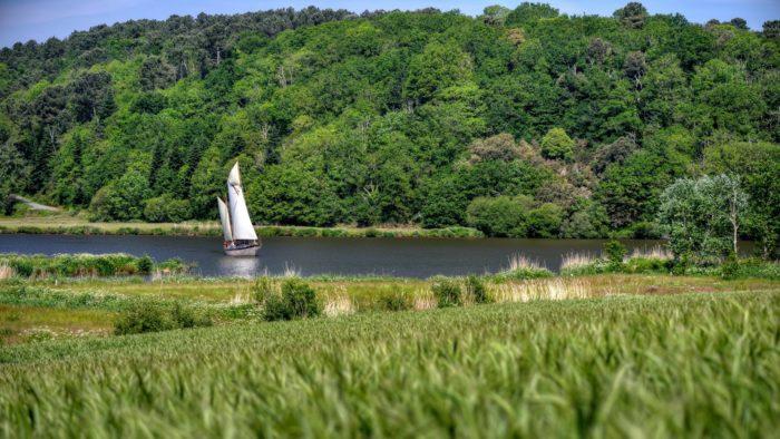 Le Morwenna navigue sur la Vilaine