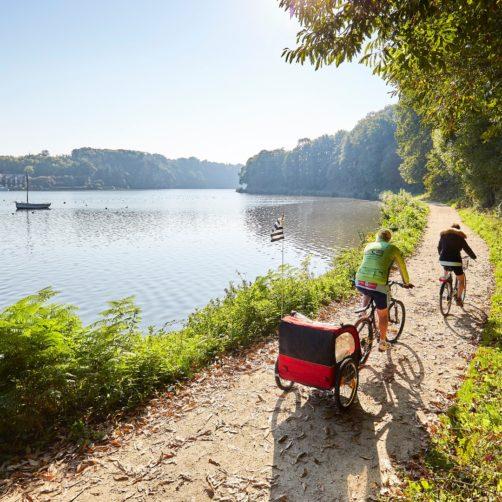 Balade à vélo le long canal d'Ille-et-Rance, à Dinan (22)